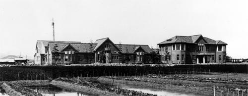 創立当時(1923年)外観