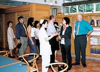 イギリスの大学からの見学者 画像