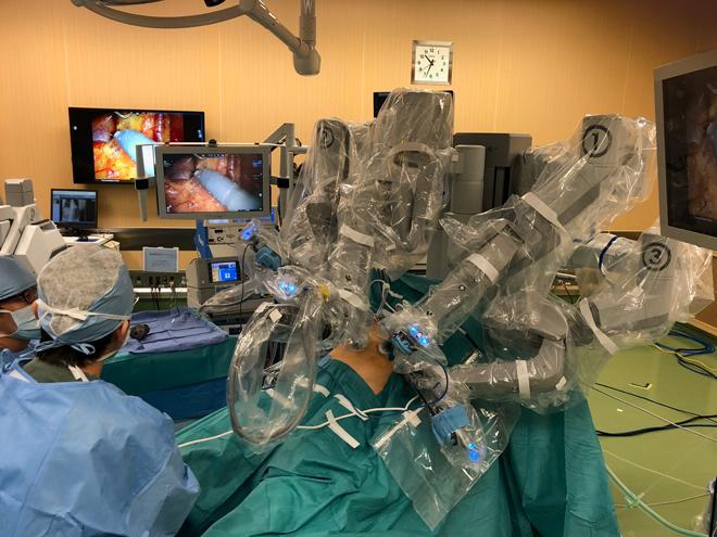 外科医師によるロボット支援手術
