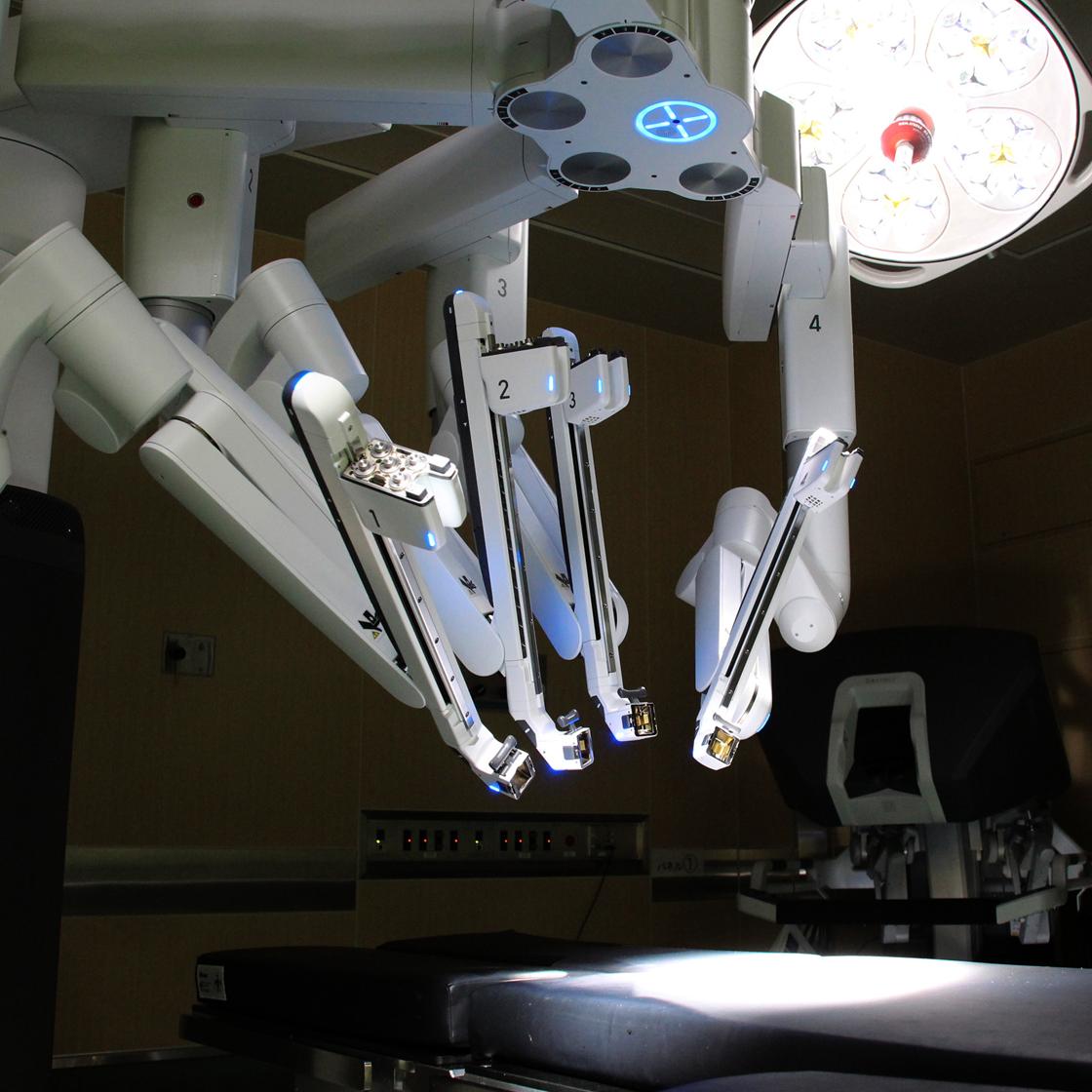 手術支援ロボット ダヴィンチ(da Vinci)による肺がん手術・縦隔腫瘍手術